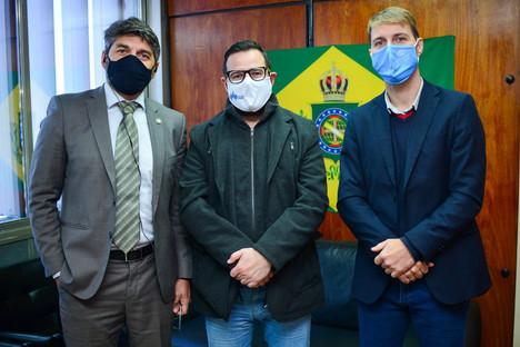 """Proponente da lei """"Dia Estadual do Óptico"""", dep. Mateus Wesp realiza encontro com Presidente do CROO"""