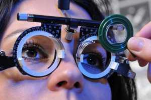 Miopia pode afetar metade da população mundial em 2050