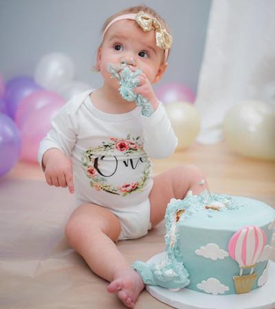 hot air balloon & cloud smash cake