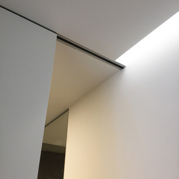 ALE12_bathroom light detail.jpg