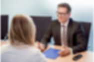 Versicherungen, Versicherungsmakler, Beratung, persönliches Gespräch,