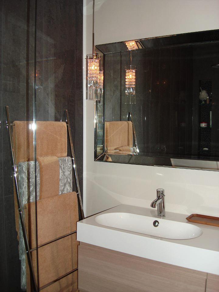 Modern Crisp Master Bathroom