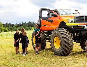 Monster truck (4).jpg