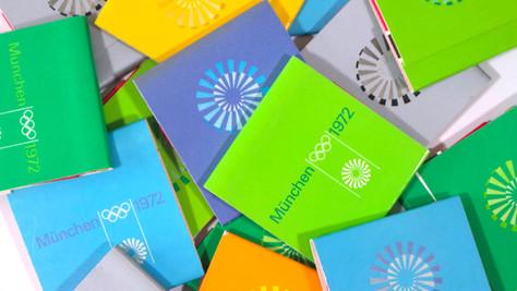 Strahlenspirale Emblem Matchbooks