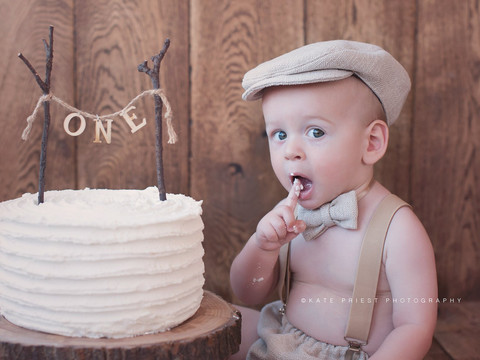 Cake smash outfit, cakesmash photoshoot Seaford