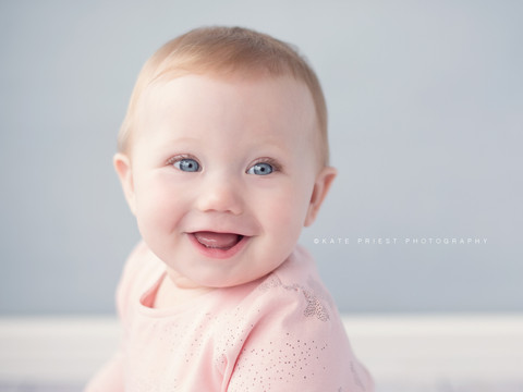 baby girl proffessional photographer