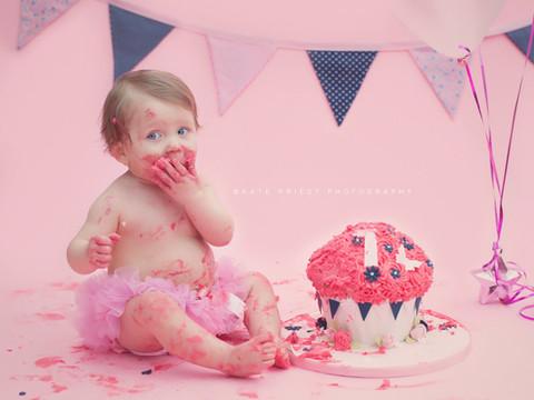 1st birthday cake smash, cake smash Burgess Hill