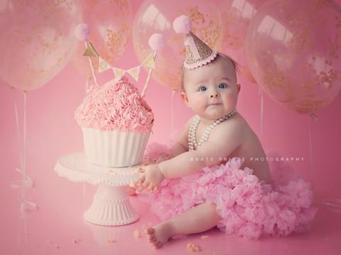 professional cake smash photoshoot, cakesmash portrait Haywards Heath