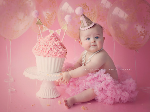 professional cake smash photoshoot, cakesmash portrait Haywards Heath