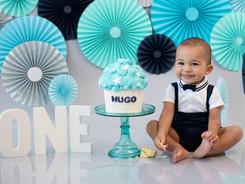 cake.smash.hugo.jpg