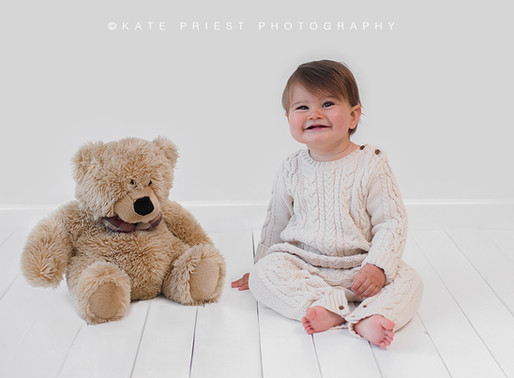 London Baby Photographer - Raphael Sitter Session