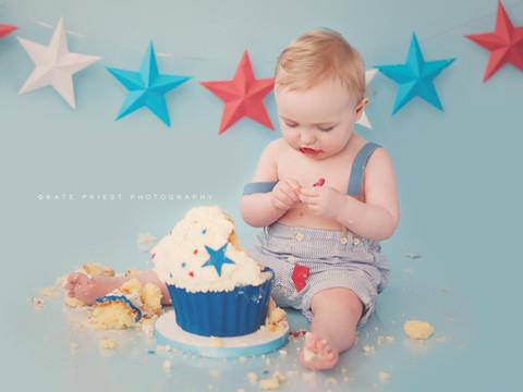 first birthday cake boy, cake smash professional photographer Hassocks