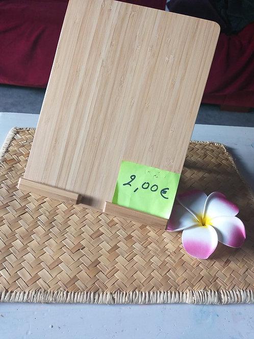 Porte tablettes en bois