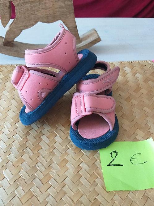 """Chaussure en """" Mousse"""" T20"""