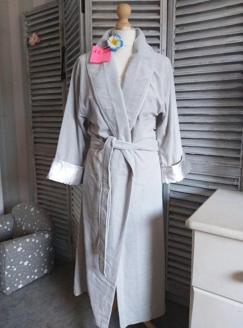 Suberbe peignoir ou robe de chambre Taille S