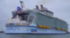 Harmony_of_the_Seas_ship_2016_002.jpg