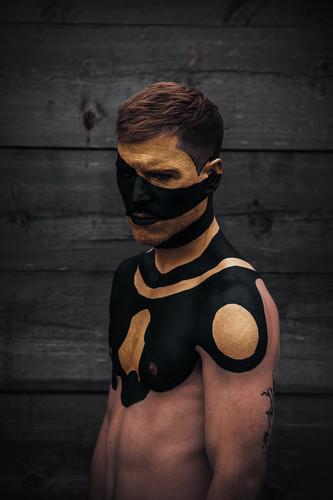 Black & Gold 6