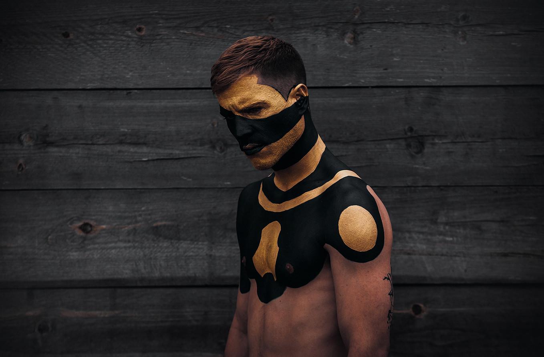 Black & Gold 3