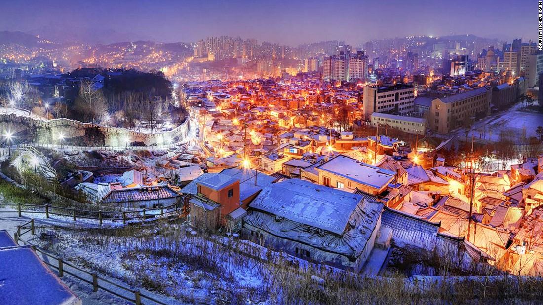 150421120739-beautiful-south-korea--seoul-seonggwak-fortress-wall-super-169