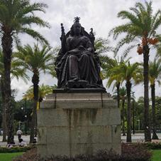 維多利亞女皇銅像