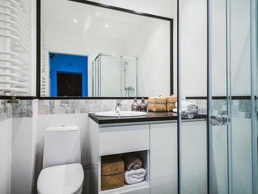 Яке дзеркало вибрати для маленької ванної?