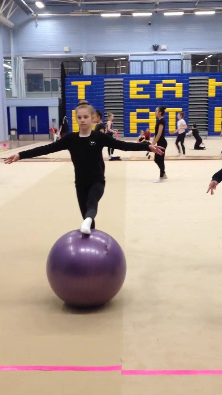 Students of Bath Rhythmic Gymnastic Team experiencing PBT . . working on their posture, placement, technique & balance. Well done girls!