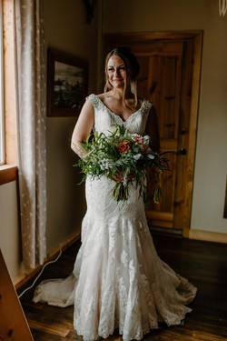 Twin Creeks Farm bride in Bridal Suite