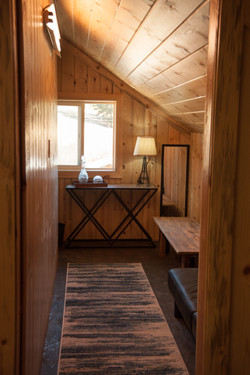 Twin Creeks Farm Grooms Room