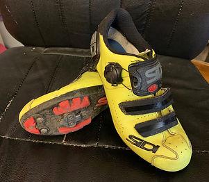 scarpe mao.jpg