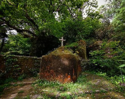 Vida e Morte no Convento dos Capuchos da