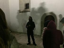 Miguel Boim a contar algumas das histórias da História de Sintra - fotografia de Frederico Almeida Santos