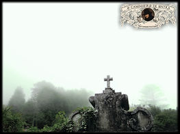 A Serra de Sintra com nevoeiro numa fotografia de Miguel Boim