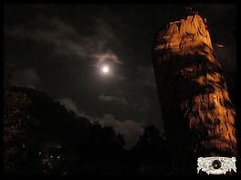 A Lua Cheia Sobre a Serra de Sintra numa fotografia de Miguel Boim