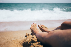 sandy feet beach vacation