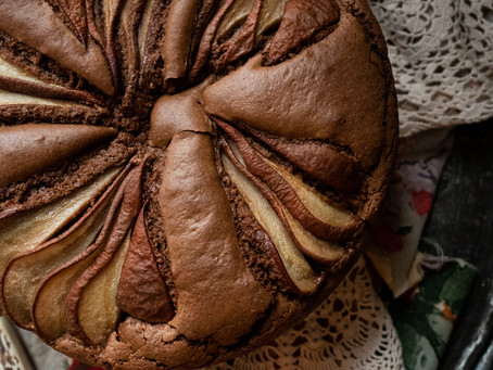 A Comforting Pear & Chocolate Cake