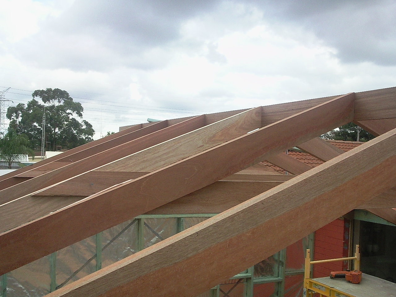 Roof under construction, Bibra Lake