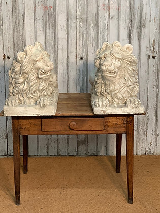 PAIR OF  DECORATIVE PLASTER LIONS
