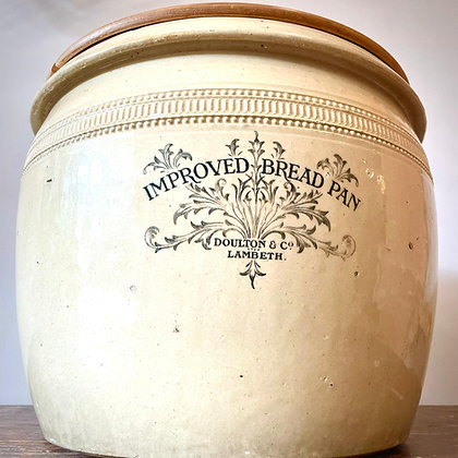ROYAL DOULTON BREAD PAN WITH A LID