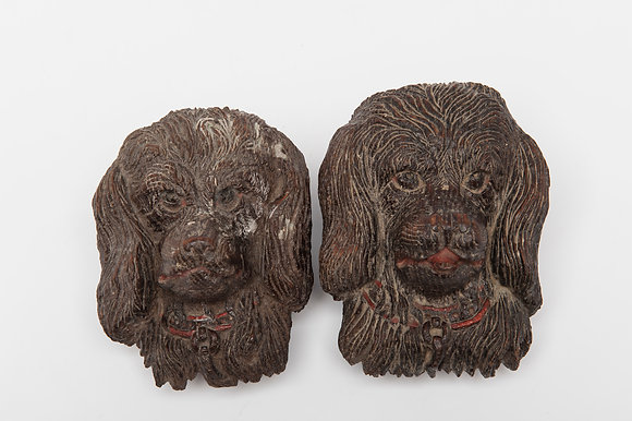 PAIR OF CHARMING WOODEN CARVED SPANIELS (possibly 18th century)