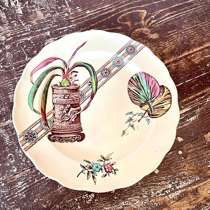 VINTAGE AESTHETIC MOVEMENT PLATE