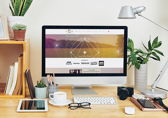 mockup-of-an-imac-on-a-desk-surrounded-b