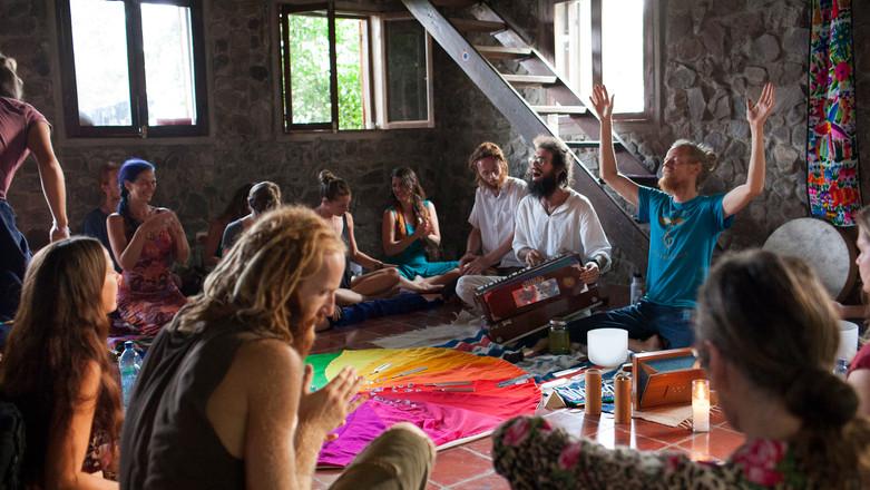 2015_Hanuman-YogaSound_PhotoClaireSabatt