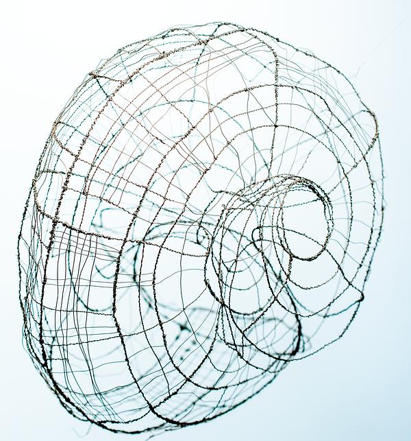 round wire shell