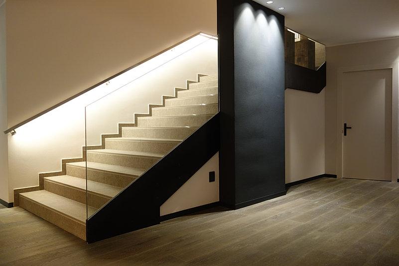 von der glast r zur dusche bis hin zum spiegel. Black Bedroom Furniture Sets. Home Design Ideas