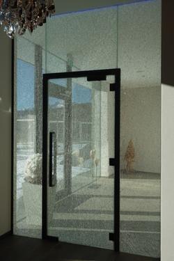Tür mit Crahglas und Schwarzstahlrahmen