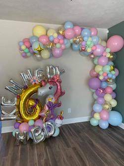 Balloon Bouquet & Garland