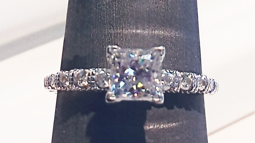 Ladies 14kt and Moissanite Ring