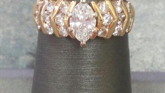 Ladies Diamond Fashion Ring