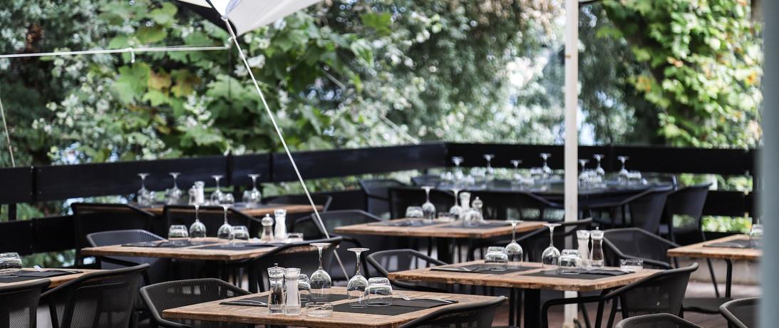 terrasse exterieure du restaurant 2.jpg