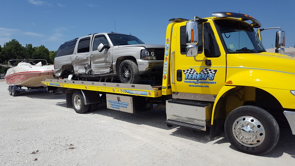 Wrecker Service | Terry's Auto Service and Towing